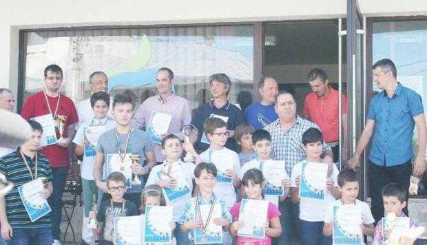 Zeci de copii s-au întrecut  în sportul minţii la un turneu organizat la Piteşti 5