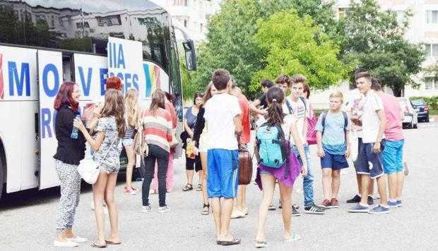 Tinerii din Mioveni s-au întors din tabăra de la Eforie Sud 5