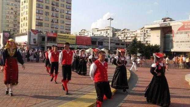 """Festivalul """"Carpați"""" a deschis, miercuri, a zecea ediție a Sărbătorilor Argeșului și Muscelului 6"""