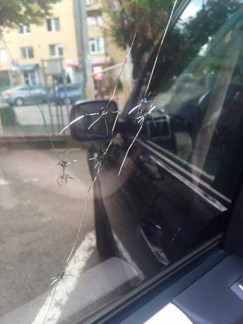 S-a tras cu pistolul în maşina unui deputat din Argeş 5