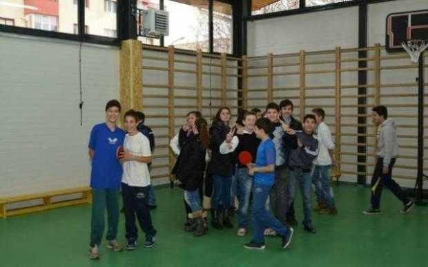 """Proiectul """"""""Sportul în școli"""" va fi reluat în Argeș 4"""
