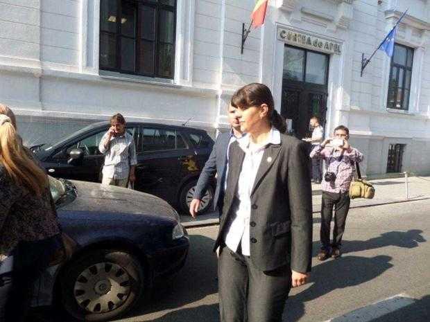 Procesul Kovesi-Antena 3 a fost amânat. Judecătoarea Florinița Ciorăscu, schimbată din complet, după ce a făcut cerere de abținere pentru că o cunoaște pe consiliera șefei DNA 2