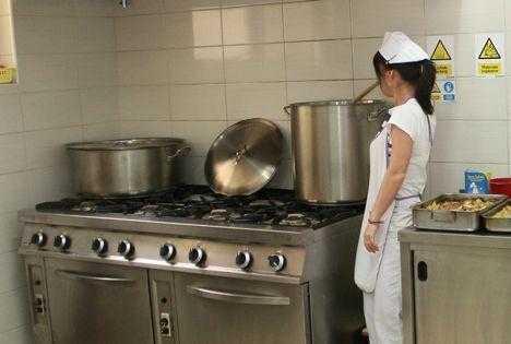 Bucătăria Grădiniței nr.14 din Piteşti, plină de germeni și bacterii 5