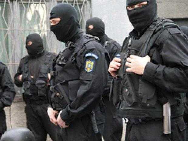 30 de persoane audiate la DIICOT Pitești într-un dosar cu prejudiciu de  4.000.000 de euro 5