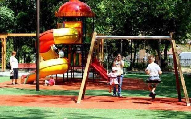 Aflaţi ce locuri de joacă vor fi reabilitate în Piteşti 6