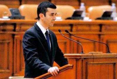 """Radu Vasilică, deputatul care ocupă ultimul loc ca activitate parlamentară în Argeş: """"Am intrat în mandat cu 86kg și am ieșit cu 68!"""" 4"""
