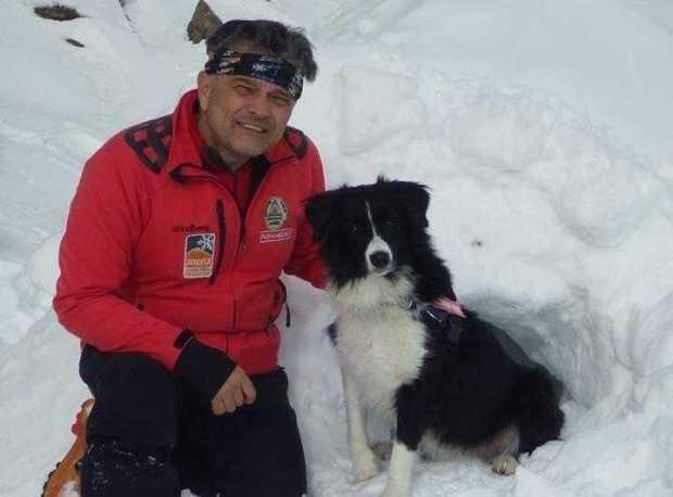 A început Congresul International de Salvare Alpină de la Borovets. Ion Sănduloiu și câinii Helios şi Dara, pregătiți pentru demonstrații 4