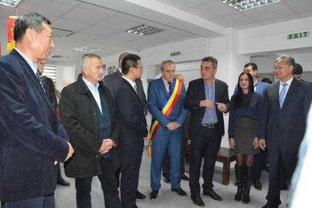 Ambasadorul Republicii Populare Chineze la București a vizitat oraşul Mioveni 5