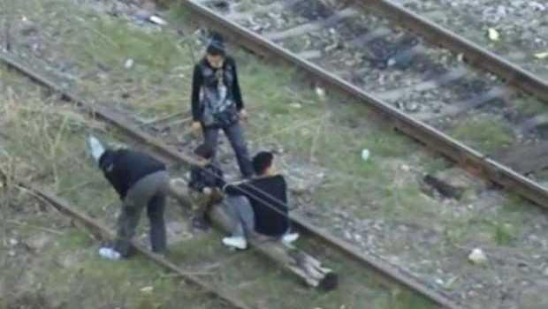 Un tânăr riscă să ajungă în închisoare după ce furat un cablu de tren 5