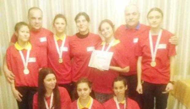 Echipa din Mioveni, campioană naţională la oină 4