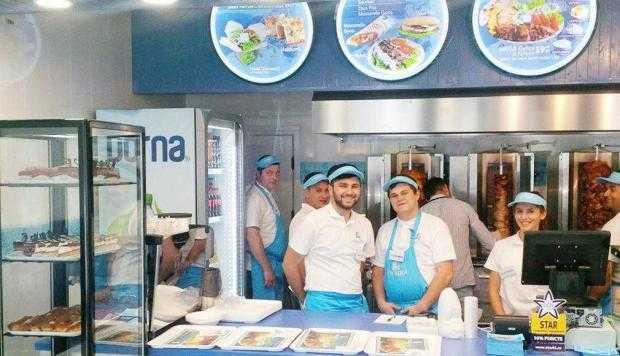 S-a deschis un restaurant cu specific grecesc în centrul Piteştiului 6