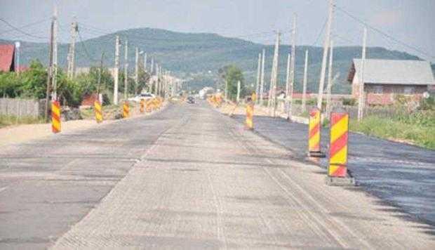 Deşi trebuia să fie gata din septembrie, DN 73 Mioveni-Câmpulung este în continuare... în lucru 5