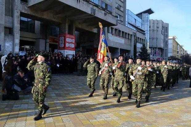 Parade militare, fanfară şi concerte, în Argeş, de Ziua Naţională a României 2