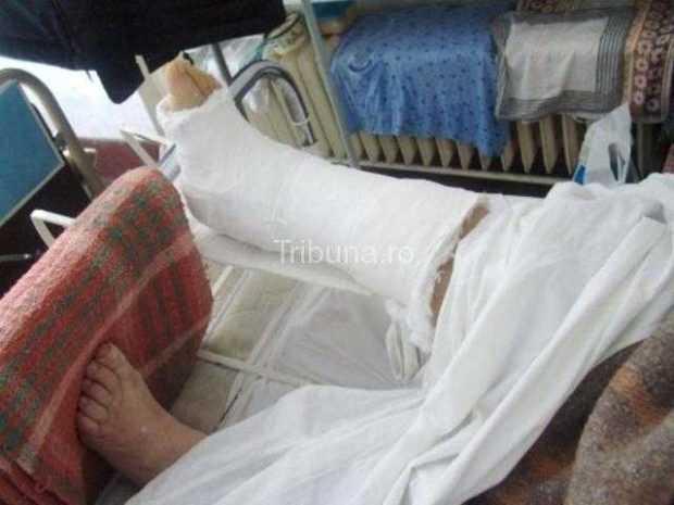 Tânărul care s-a aruncat de la etajul 4 rămâne în continuare în spital 5