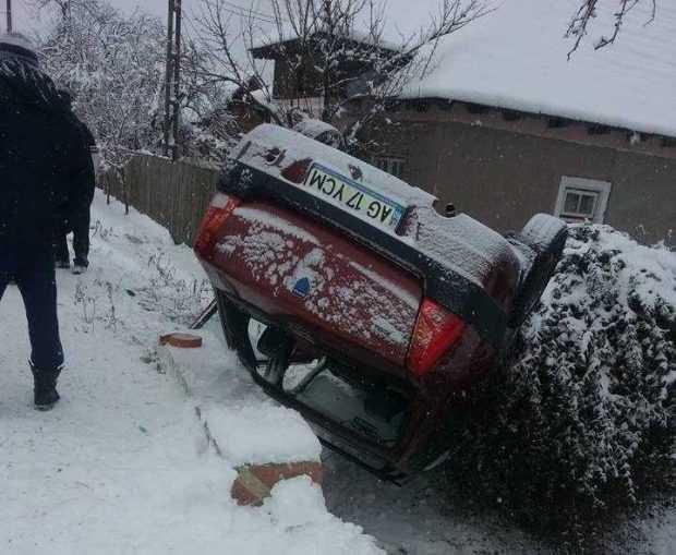 Accidente și gospădării rămase în beznă după ninsorile de azi-noapte 3