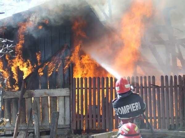 incendiu arefu