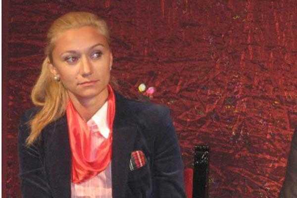 Soția deputatului Drăghici, trimisă în judecată pentru mărturie mincinoasă și instigare la fals în înscrisuri 5
