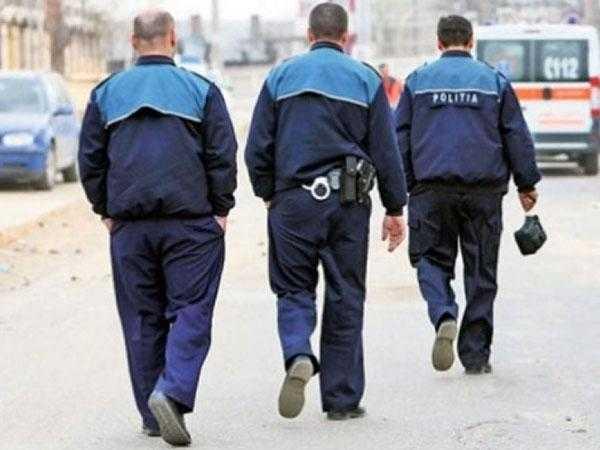 mandat poli