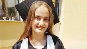 """Elevă de 10 la bac  din comuna Ţiţeşti: """"M-a motivat dorinţa de a le demonstra celorlalţi că şi copiii de la ţară merită ascultaţi"""" 6"""