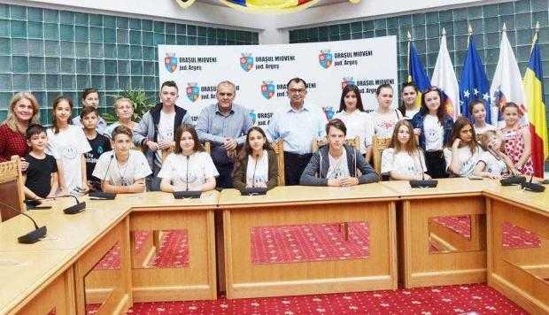 Un grup de elevi din Republica Moldova, în vizită la Mioveni 6