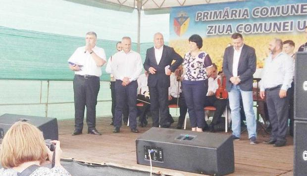 Doiniţa şi Ionuţ Dolănescu au încântat audienţa la Ziua Comunei Ungheni 7