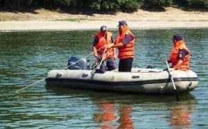 Pompierii au salvat o femeie căzută în râul Argeș 3