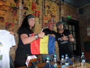 Mii de fani așteptați la Corbi la cel mai mare festival rock din mediul rural din România. Primul solist de la AC/DC e capul de afiș 3