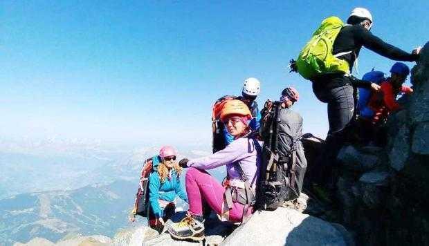 Un salvamontist argeşean a escaladat Vârful Mont Blanc 4
