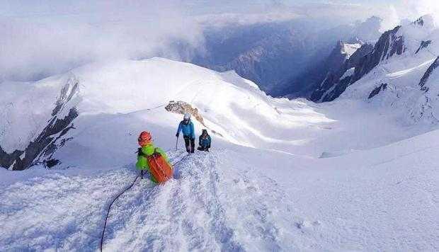 Un salvamontist argeşean a escaladat Vârful Mont Blanc 5