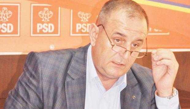 Primăriţa Ioana Jenica Dumitru a început să strângă semnăturile pentru dizolvarea Consiliului Local Ştefăneşti 7