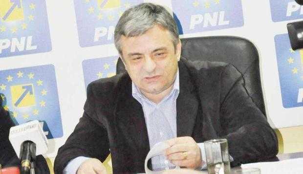 """""""Dragnea  se aseamănă cu Iliescu, a întors România în 1990"""" 5"""