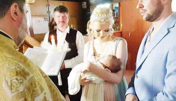 """Solista Sandra N şi-a botezat fiul: """"Cel mic a fost extraordinar de cuminte şi drăgălaş"""" 5"""