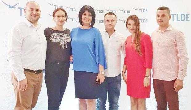 Simona Brătulescu şi Andrei Gerea le-au vorbit tinerilor la Şcoala Politică de Vară TLDE 5