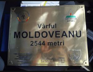 Vârful Moldoveanu are o nouă plăcuţă de identificare 5