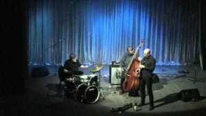 """Jazz inspirat din """"Experimentul Piteşti – reeducarea prin tortură"""" 3"""
