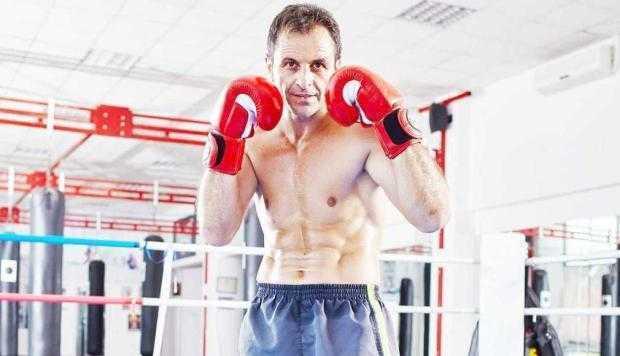 Campion mondial la kickboxing, făcut K.O. de reprezentanţa Skoda din Piteşti 5