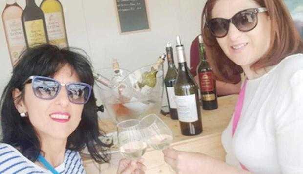 După ce a degustat vin la Bordeaux, Lavinia a cerut bani să meargă la Nisa 5