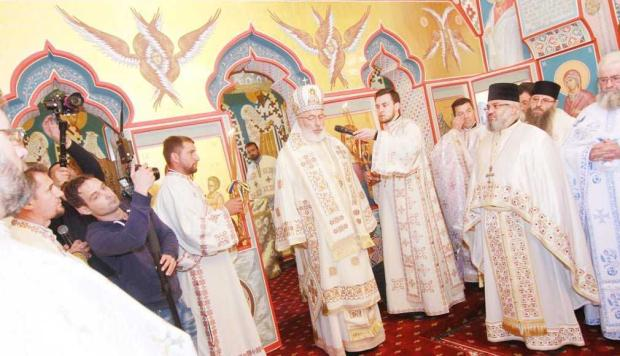 Biserica parohiei Miceşti a fost sfinţită 5