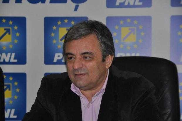 """Adrian Miuţescu, preşedinte PNL ARGEŞ: """"PSD vrea un singur lucru: să ne abată atenția de la legea Off-Shore!"""" 5"""