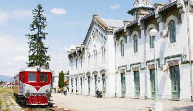 Încă două trenuri pe ruta Bucureşti - Piteşti - Curtea de Argeş 5