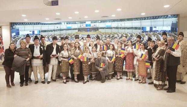Artişti argeşeni au concertat la Parlamentul European 5