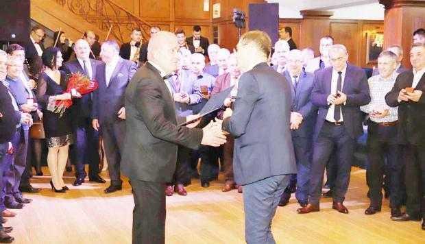 Preşedintele Academiei Române, Ioan Aurel Pop, i-a înmânat preşedintelui CJ Argeş, Dan Manu, DISTINCŢIA CULTURALĂ 5
