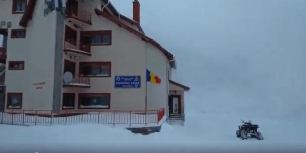 Risc de avalanșă însemnat în munții Făgăraș. Vezi imagini de la Cota 2000! 4