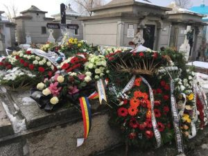 Preotul găsit mort în altar a fost înmormântat. Sute de oameni l-au condus pe ultimul drum 7