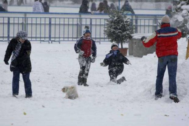 14 școli din Argeș sunt închise din cauza zăpezii 5