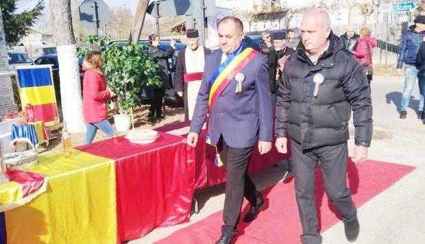 """Cu toate obiectivele propuse realizate, primarul Florin Dumitru de la Teiu spune:  """"Anul 2018 a fost cel mai roditor, cel mai productiv an!"""" 5"""