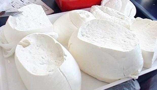 Brânzeturi contrafăcute comercializate în Argeş 5