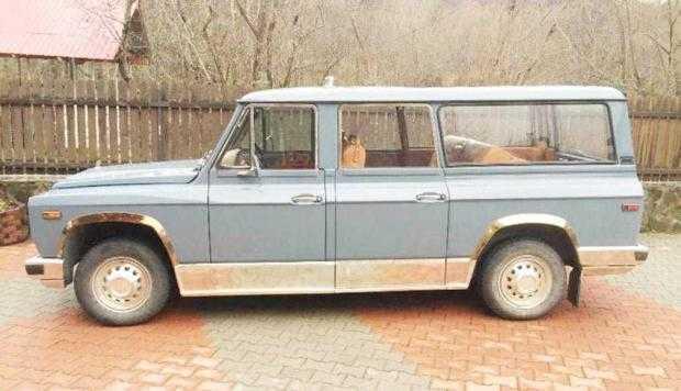Maşina ARO a lui Ceauşescu  nu are căutare 5