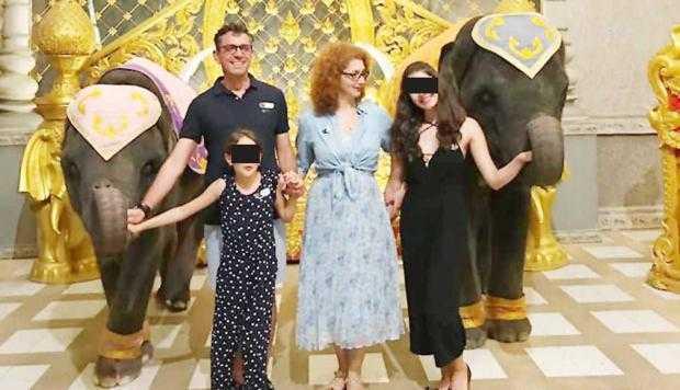 Şefa de la RMN  s-a suspendat trei luni de la Spitalul Judeţean, apoi a plecat în vacanţă în Thailanda 5