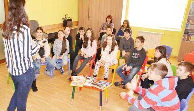 Ora să ŞTIM şi  Ziua Internaţională a Cititului Împreună au fost sărbătorite la Biblioteca Judeţeană Argeş 5